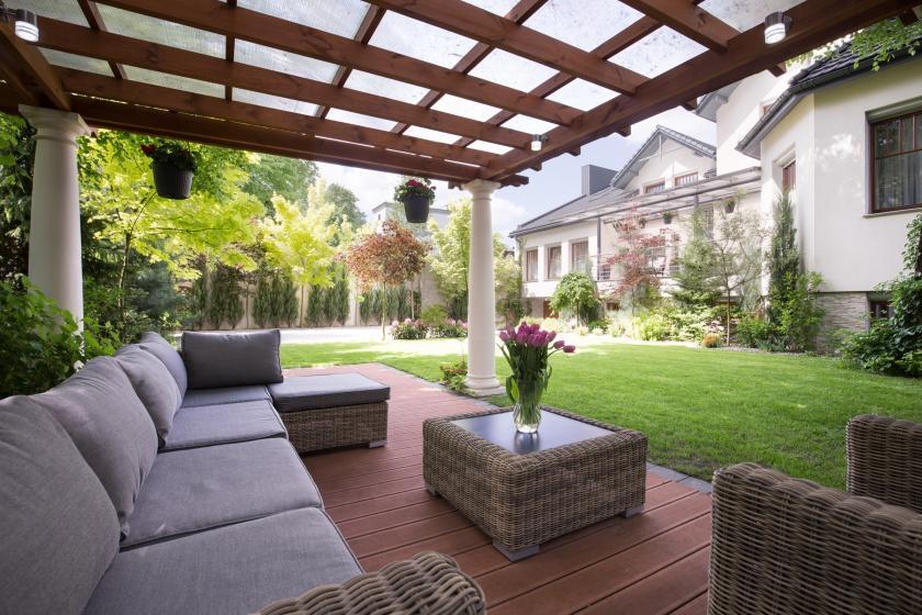 Pergola covering backyard patio