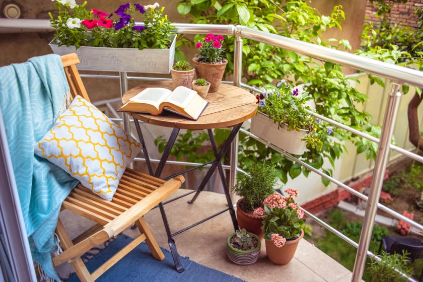 Balcony Safety: 5 Steps to Protect Your Kids & Pets
