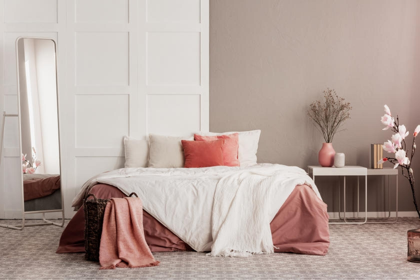 Bedroom with rose pink wall