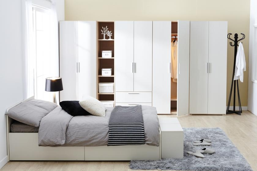 Freestanding closets in modern style