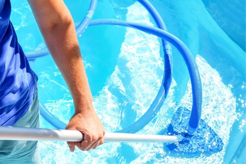 Pool vacuum cleaning swimming pool